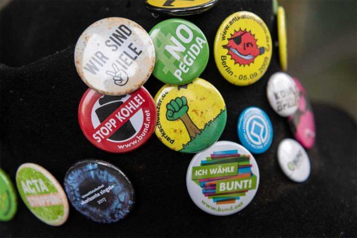 best custom badges design